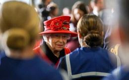Nữ hoàng Elizabeth lên thăm tàu chiến lớn nhất của Anh dự kiến sẽ tới Biển Đông