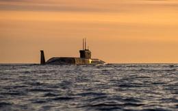 """Tàu ngầm Nga áp sát bờ biển, Bộ trưởng Quốc phòng Anh """"hốt hoảng"""": Chúng ta bị bao vây!"""