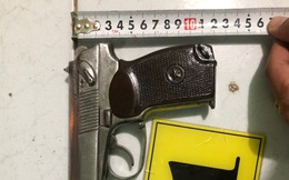 Bắt nhóm thanh niên thủ súng K59 cùng 15 viên đạn chuẩn bị hỗn chiến
