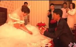 Đang lướt mạng thì thấy video vợ mình tổ chức đám cưới với kẻ khác, người đàn ông vội báo cảnh sát rồi nhận sự thật phũ phàng