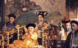 """""""Vết tích"""" để lại trên tranh chân dung của 12 Hoàng đế nhà Thanh, chỉ nhìn vào cũng thấy được dấu hiệu từ hưng thịnh đến suy tàn của 1 triều đại"""