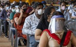 """Lí do Ấn Độ nên mua vaccine COVID-19 của TQ: Cầu cạnh đối thủ thì """"đau"""", nhưng cứu được mạng người"""