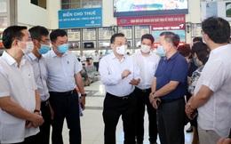 Chủ tịch Hà Nội: Siết chặt quy trình nhập cảnh, rà soát kỹ người về lại thành phố