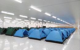 Ngỡ ngàng cảnh hàng trăm chiếc lều xếp lớp trong khu phòng dịch công ty điện tử ở Bắc Ninh