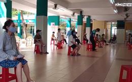 """Người dân Sài Gòn """"vét sạch"""" siêu thị trước giờ giãn cách xã hội"""