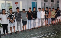 13 thanh, thiếu niên mang mã tấu, dao ném vào nhà người khác