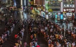 """Một tỉnh ở Trung Quốc bùng dịch Covid-19 """"đáng báo động"""" chỉ từ một bữa ăn"""