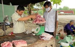 Ông Đoàn Ngọc Hải tự tay mua 50kg thịt heo loại ngon nhất  cho các bé ăn dần ở Na Rì - Bắc Kạn