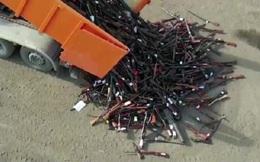 Bỉ nung chảy 22.000 khẩu súng thành 60 tấn thép tái chế