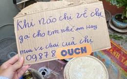 Mảnh bìa của chị mua ve chai gửi cho chủ nhà, đọc kỹ dòng chữ ai cũng phải trầm trồ