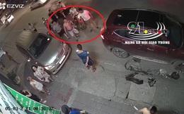 """Gây tai nạn, chủ xe còn đánh người rồi gọi """"đại ca"""" xăm trổ tới thị uy, nạn nhân phải vào nhà tránh"""