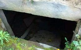 Vô tình thấy 1 cái hang trong lúc đi du lịch, tò mò chui vào trong, cảnh tượng nhìn thấy khiến người đàn ông bỏ chạy thục mạng