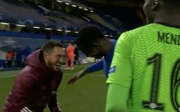 """Ngôi sao trăm triệu gây phẫn nộ khi """"cười như được mùa"""" dù đội nhà thua thảm trước Chelsea"""