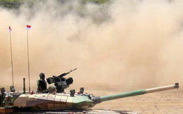 """Cuộc đấu xe tăng Trung Quốc-Ấn Độ trên """"nóc nhà thế giới"""" Himalaya lạnh giá"""