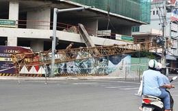 Cần cẩu nặng hàng tấn rơi từ tầng 20 xuống đất, nhiều người thoát nạn