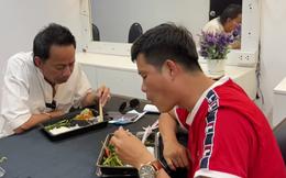 Danh hài Bảo Chung: Qua Mỹ tôi ăn bình dân lắm, con tôi ăn đồ Tây nhưng tôi chỉ canh chua, cá kho