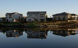 Thảm cảnh đi mua nhà ở Mỹ: Chấp nhận sinh sống ở ngoại ô, công ty môi giới quay số để chọn khách hàng