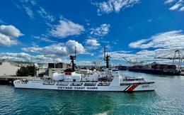 Cảnh sát biển Việt Nam đã lên tàu CSB 8021, sẵn sàng cho hành trình vượt Thái Bình Dương