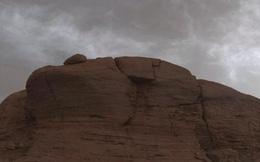 Phát hiện những đám mây kỳ lạ, nhiều màu sắc trên sao Hỏa