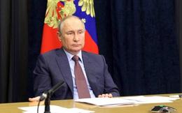 """Tổng thống Putin khen những người Ukraine không muốn gia nhập NATO là """"thông minh"""""""