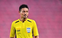 Ấm ức sau trận thua đau trước ĐT Việt Nam, CĐV Malaysia cay cú trút giận lên trọng tài