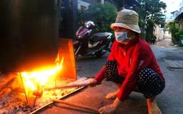 Trắng đêm nấu bánh tét tặng người dân cách ly TP.HCM đón Tết Đoan Ngọ: 'Góp củi từng nhà để thổi lửa chung'
