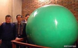 Người đàn ông Thiểm Tây đào được viên dạ minh châu 6 tấn, lớn nhất thế giới nhưng không ai dám mua!