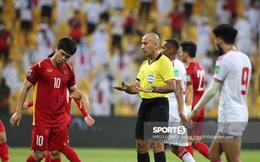 """Trọng tài V.League: """"Việt Nam xứng đáng được hưởng penalty"""""""
