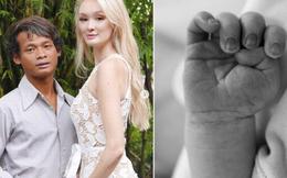 """Cặp """"chồng cú vợ tiên"""" từng gây bão MXH đã sinh con đầu lòng, cả hai cùng hé lộ hình ảnh đầu tiên của con khiến dân tình xôn xao"""