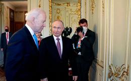 """Thực hư lời kể của phóng viên CNN: """"Ông Biden nhìn ông Putin, ông Putin liền ngoảnh mặt đi""""?"""