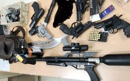 Phát hiện cô gái tham gia 'ổ' buôn bán linh kiện súng