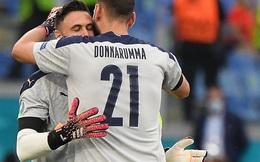 """Chuyện """"dị"""" mùa Euro 2020: Đội bóng lập hàng rào mấy lớp cho đối thủ hết soi, thủ môn nhàn quá bị thay ra cho """"có tính cạnh tranh"""""""