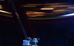 Hình ảnh này sẽ giúp bạn hình dung Trạm vũ trụ quốc tế ISS di chuyển với tốc độ 28.000 km/h là nhanh như thế nào