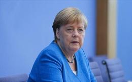 Đức bắt đầu tiêm 2 loại vắc xin Covid-19 khác nhau, Thủ tướng Angela Merkel đã tiêm trước