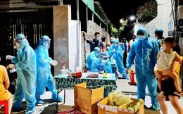Người phụ nữ buôn bán ở chợ đầu mối mệt mỏi 3 ngày, đến viện test nhanh thì nhiễm COVID-19