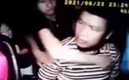 Công an điều tra vụ tài xế taxi bị nam hành khách đấm liên tục vào người