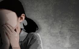 Con gái phát hiện nhà có mùi lạ, bà mẹ vội hành động lén lút trước khi tội ác bị vạch trần