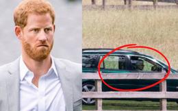 Hoàng tử Harry 1 mình bay về Anh Quốc sau loạt drama, Nữ Hoàng Anh liền có động thái bất ngờ chỉ 30 phút sau khi cháu trai đến nơi