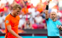 Người Hà Lan nói gì sau thất bại thảm hại: De Ligt nhận lỗi, cựu danh thủ đổ tội cho sự yếu kém của các trụ cột