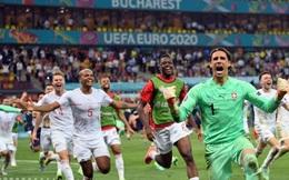 Euro 2021 vừa trải qua một ĐÊM ĐIÊN RỒ