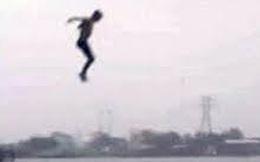 2 công an nhảy xuống sông cứu thiếu nữ 18 tuổi nghi nhảy cầu tự tử