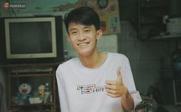 Cậu học sinh trường chuyên bị ung thư khi sắp tốt nghiệp lớp 12, cha nén nước mắt đưa con vào Sài Gòn tìm cơ hội chữa trị