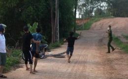 Khởi tố người cha ở Bắc Giang đuổi chém công an đi tuần phòng dịch đòi lại diều cho con