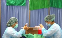 Bất chấp Trung Quốc, Nhật Bản gửi vắc-xin Covid-19 cho Đài Loan