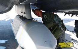 Không quân Mỹ khẩn cấp mua sắm vũ khí tầm xa để đối phó Trung Quốc