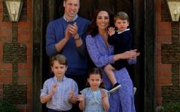 """Là cặp đôi tiên phong với cách nuôi dạy con """"khác thường"""", vì sao Kate và William lại được khen ngợi hết lời?"""