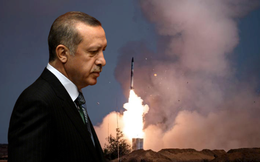 """Nga-Mỹ dồn ép cả hai đầu, Thổ Nhĩ Kỳ """"ôm S-400 lao xuống vực sâu"""""""