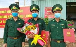 Kiên Giang: Trao quân hàm sĩ quan tại các chốt phòng chống dịch