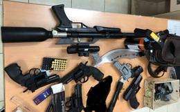 Phát hiện nam thanh niên tàng trữ kho súng đạn, công cụ hỗ trợ… ở Sài Gòn