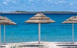 Khách du lịch lấy cát ở bãi biển Italy bị phạt hơn 100 triệu